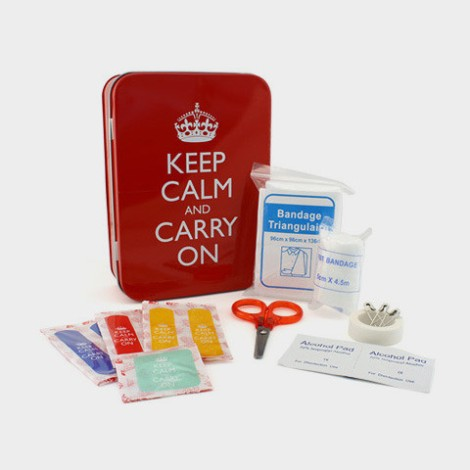 Keep_Calm_and_carry_on_first_aid_kit_contents_large